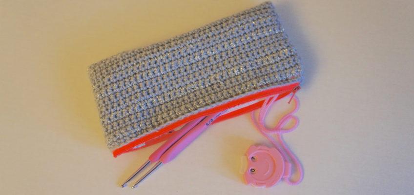 Trousse à crochets… au crochet !