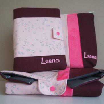 Ensemble protège carnet de santé, tapis et trousse XL pour Leena