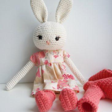 Un lapinou au crochet, pour Olivia