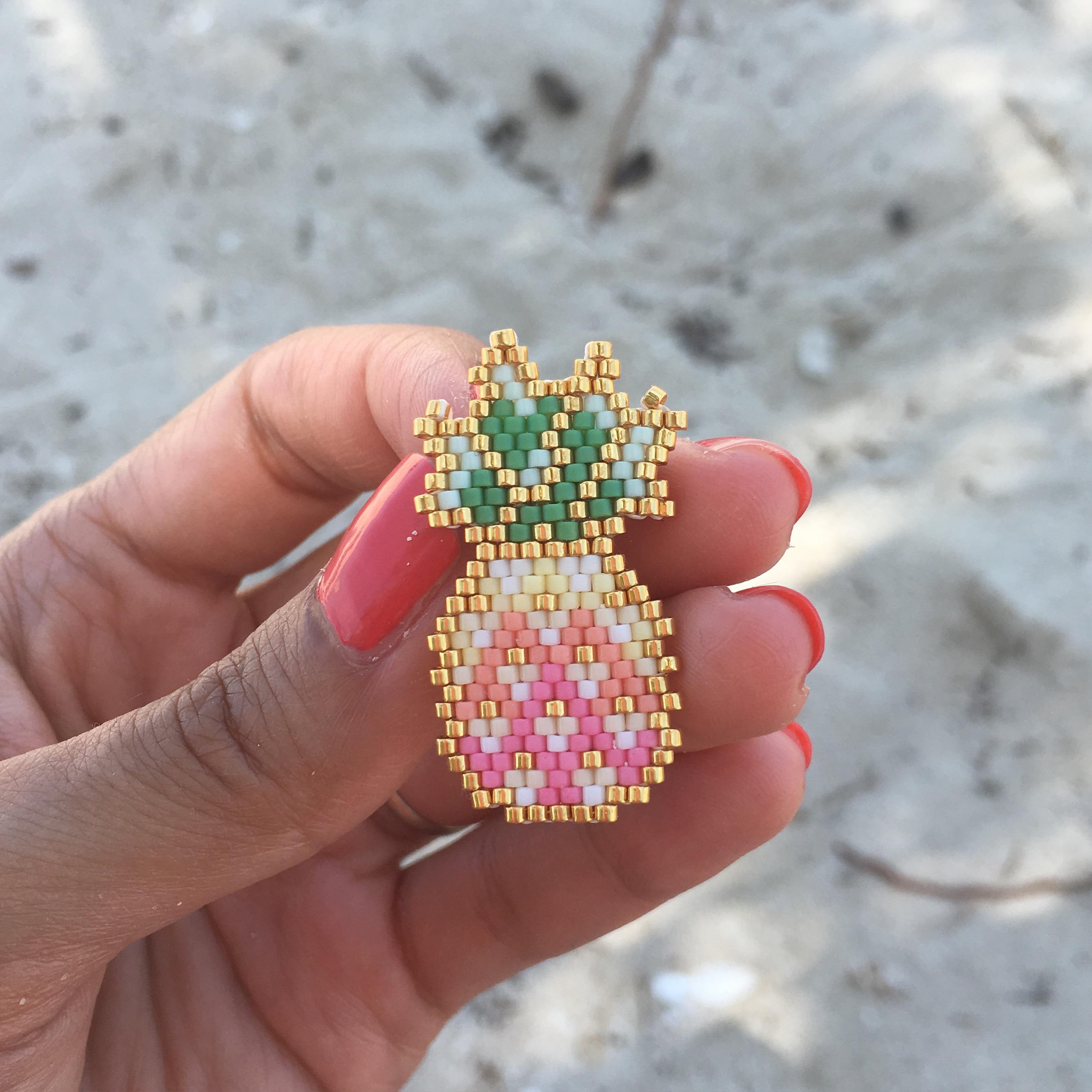 Ananas tissé en brick stitch