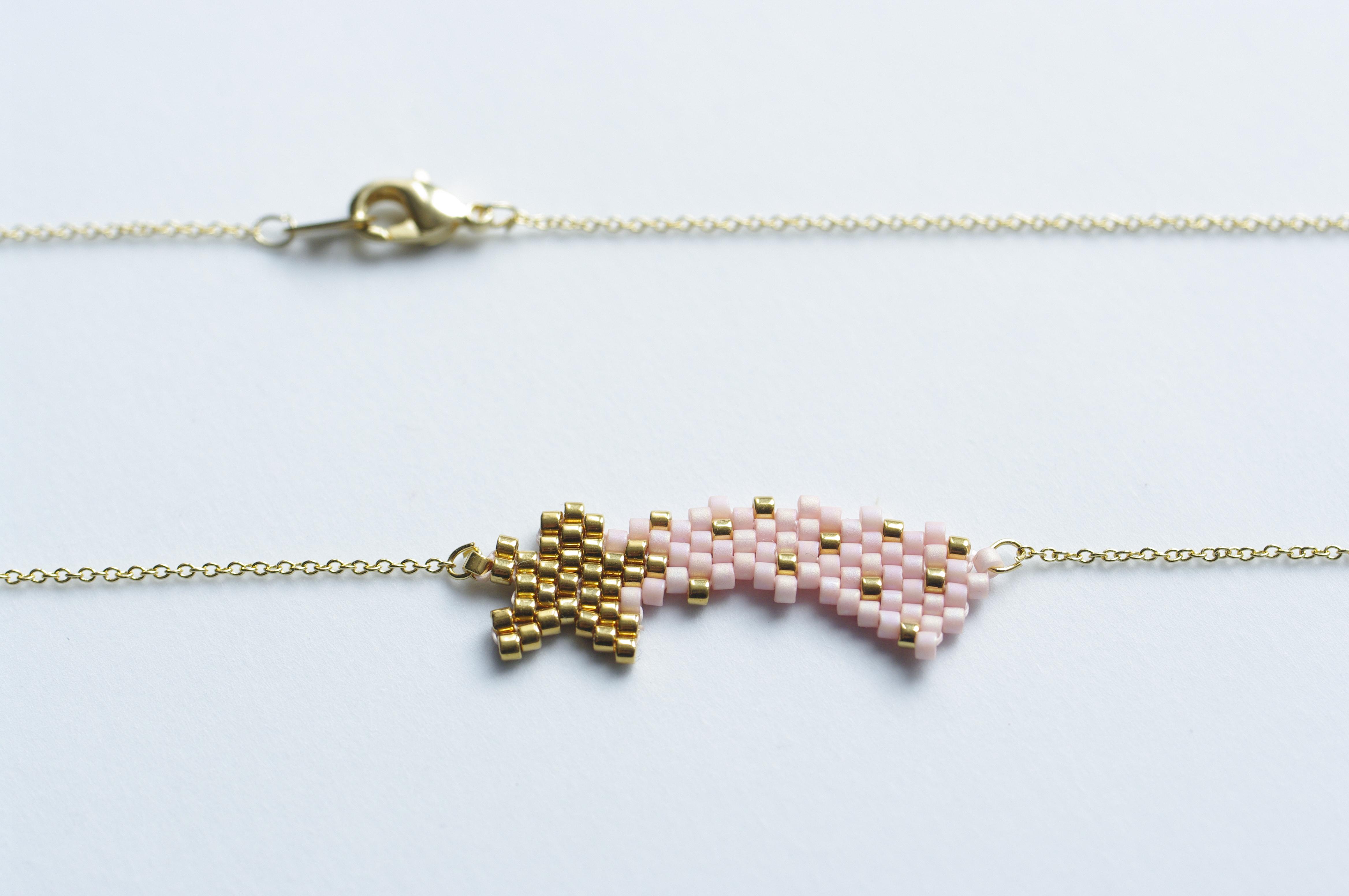 Collier étoile filante tissé en perles Miyuki