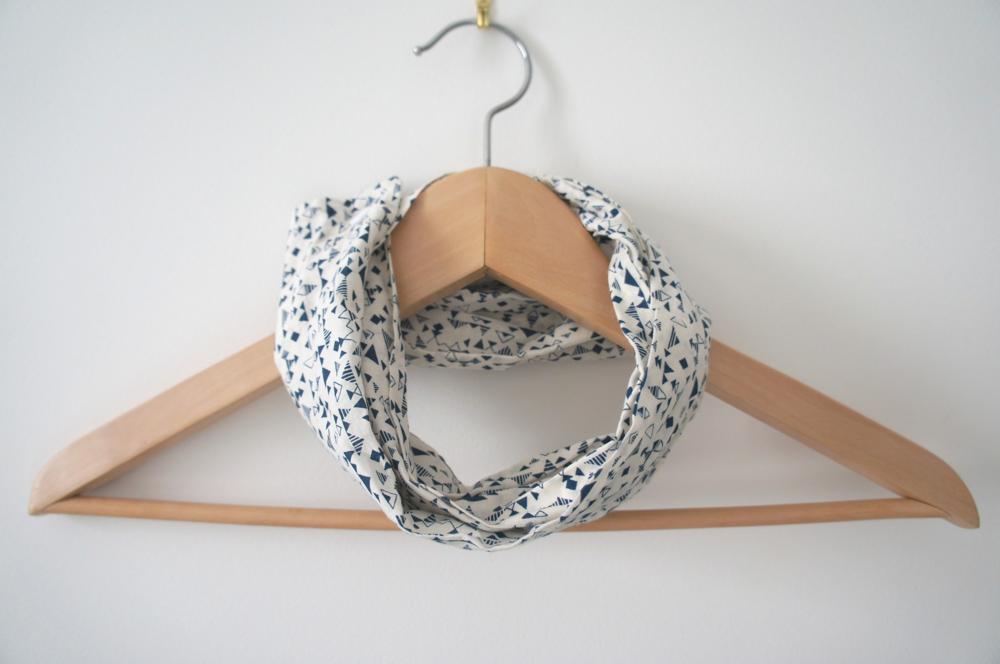 Snood léger de printemps